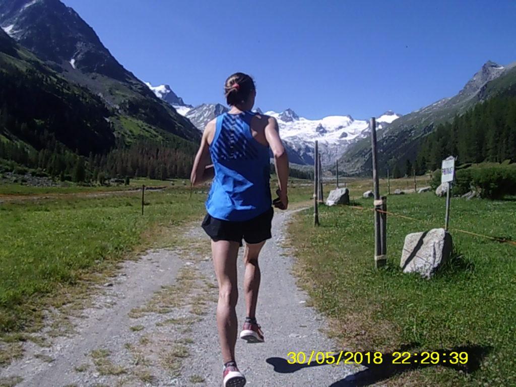 Lopen in de mooie omgeving van Sankt Moritz.